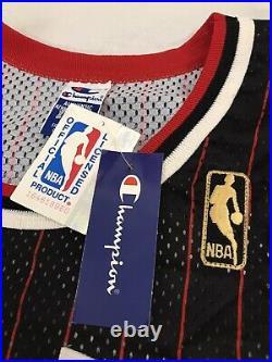 100% Authentic Michael Jordan Vintage Champion Bulls Jersey Size 48 Gold Logo
