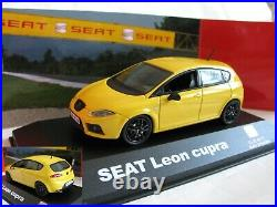 1/43 SEAT Leon cupra Mk2 yellow + Follow Me (Red Bull Air Race) 2pcs diecast