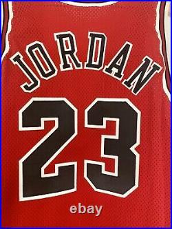 Authentic Champion Bulls Road Jordan Jersey Sz 48 XL USA