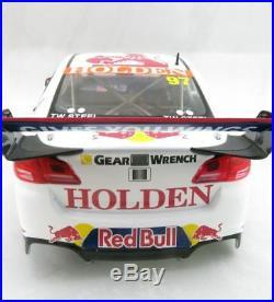 Classic Carlectables 18652 Holden VF Gisbergen 2017 HRT Red Bull Sandown V8 118