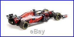 Minichamps 118 110199933 2019 F1 Red Bull RB15 Silverstone Shakedown Verstappen