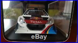 Peugeot 208 T16 Red Bull Pikes Peak 2013 S. Loeb (autoart 118)