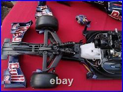 Red Bull Racing F1 RB7 Nitro Kyosho RC Race Car 17 scale (DeAgostini)